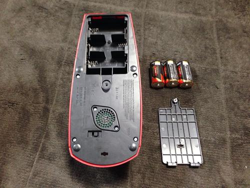 アルカリ単2電池×3本使いますが、別売りなので用意をしておきましょう。