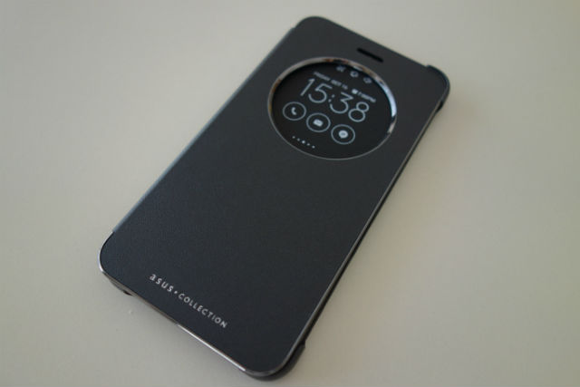 ZenFone 3 純正 View Flip Cover レビュー。手に当たっても痛くなくなってたよ!