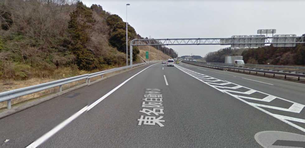 亀山JCTを左に曲がっていくと東名阪自動車道と合流していきます