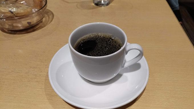 イオンモール日の出のラウンジのホットコーヒー