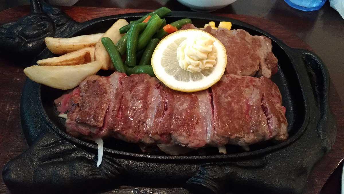 赤肉ステーキ300g