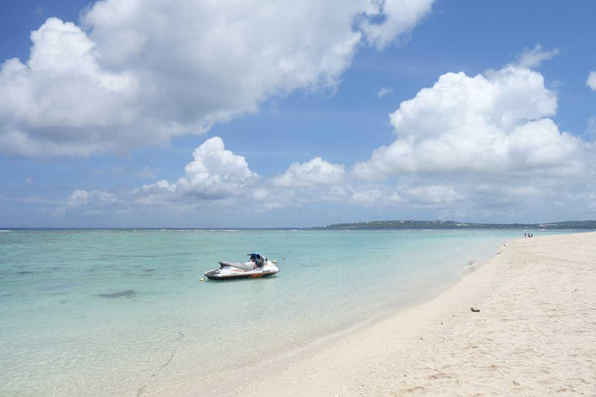 沖縄2日目。瀬底ビーチでシュノーケリングが最高!美ら海水族館のジンベイは圧巻!
