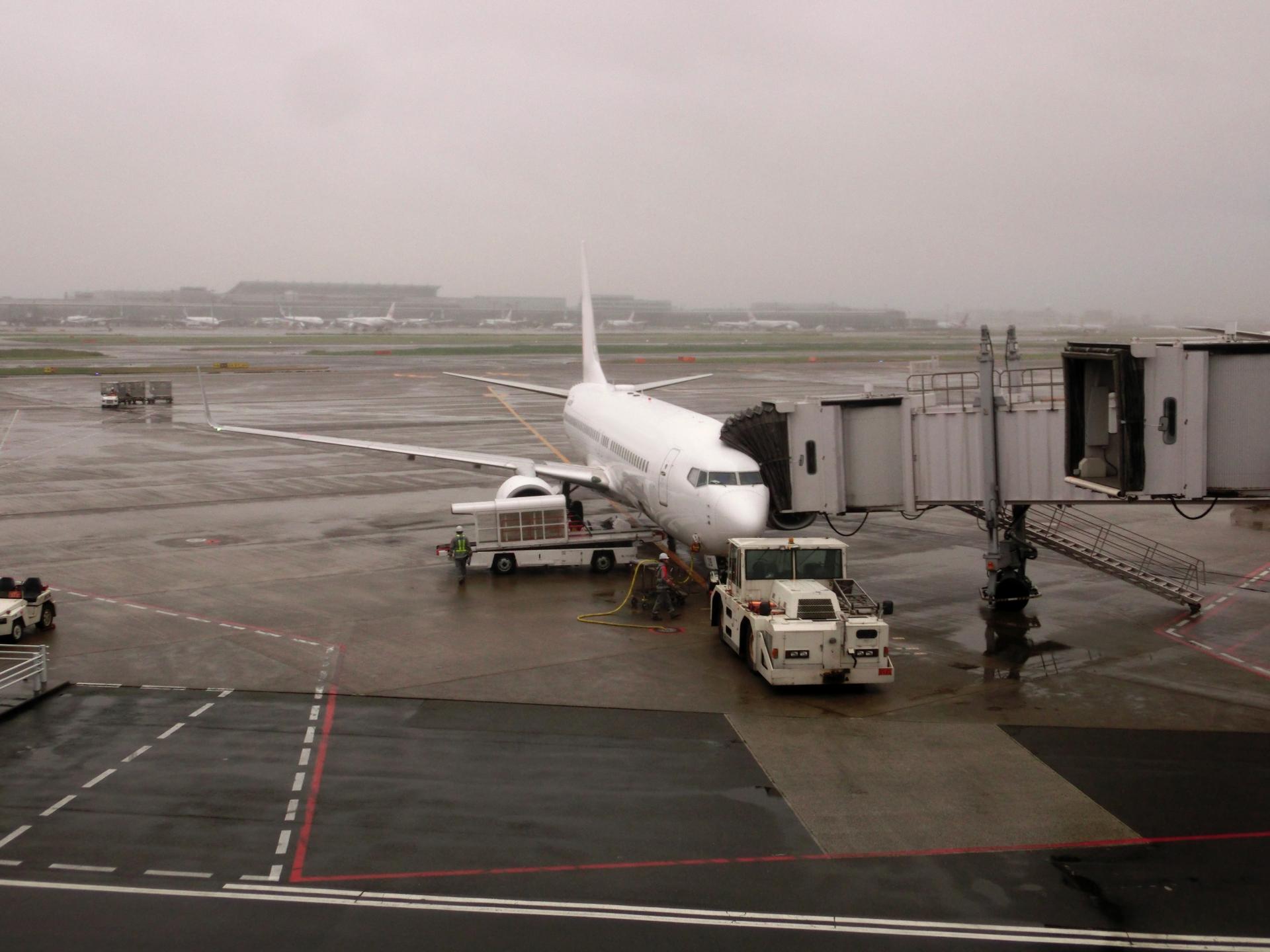 マイルで沖縄旅行!しかし台風直撃で飛行機が欠航かも!?フライト変更であたふたしたよw