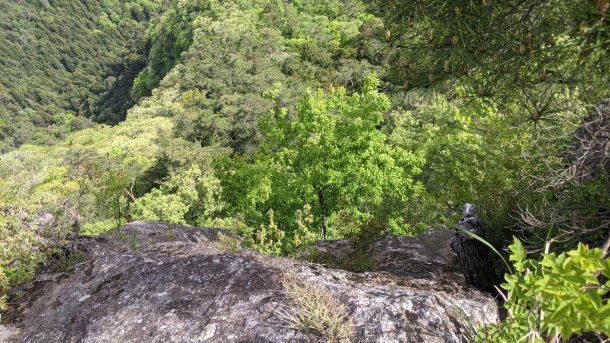 御前山の断崖絶壁